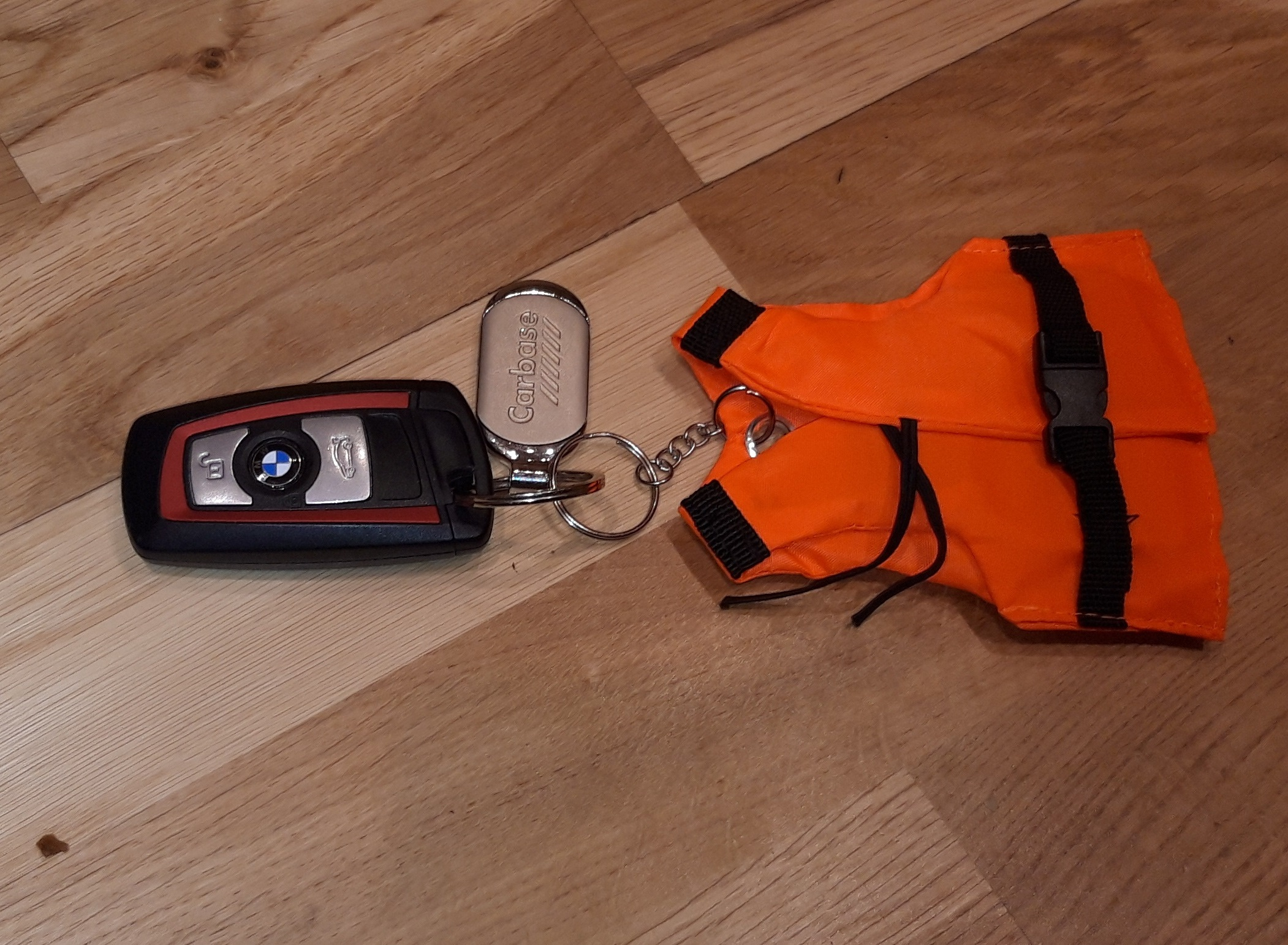 Querky Lifejacket floating key ring image 1